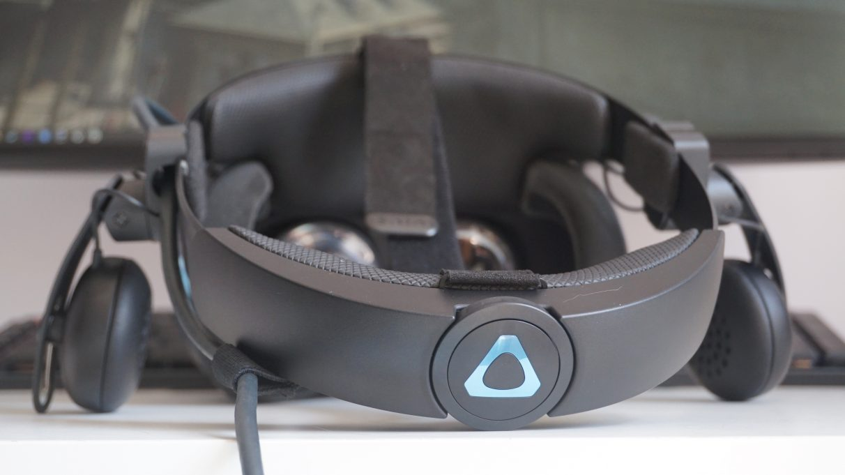 htc-vive-cosmos-review